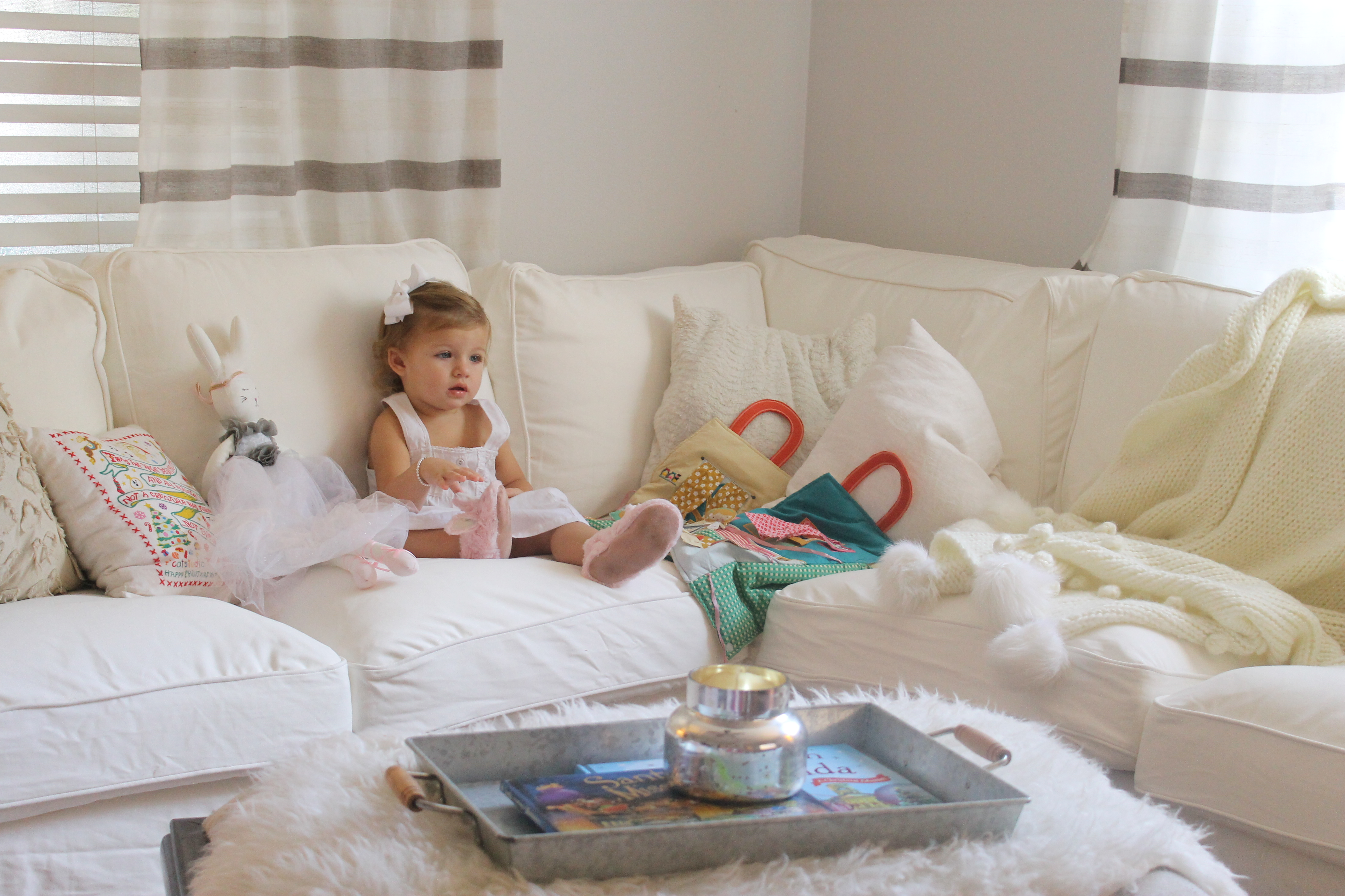Groovy Honest Review Of A Messy Family And Their Ektorp Sofa My Pdpeps Interior Chair Design Pdpepsorg