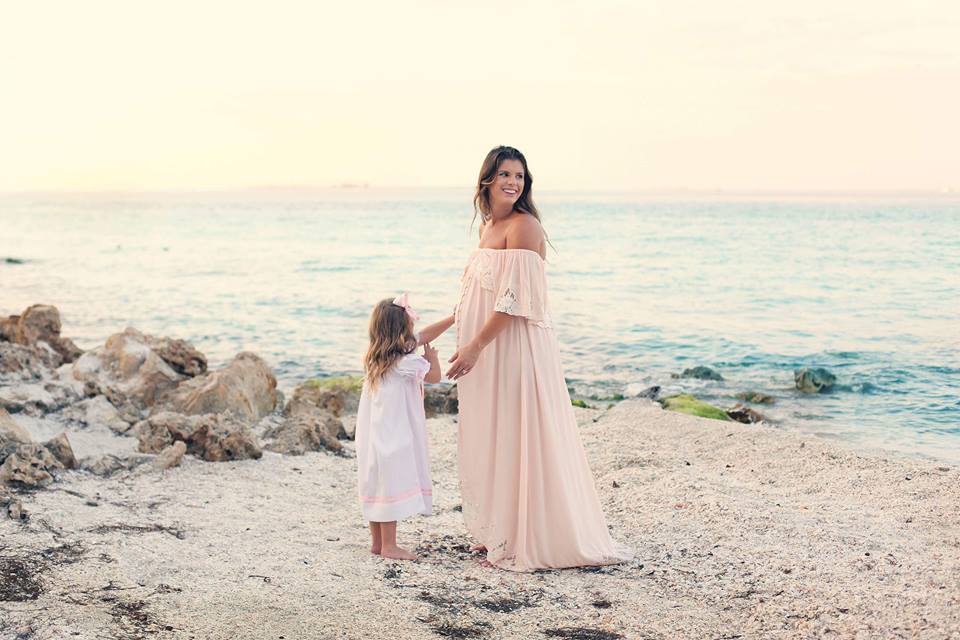 Maternity Pictures On The Island